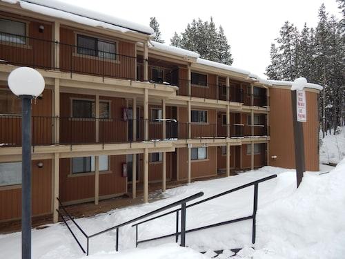 比佛鄉村住宿冬季公園公寓式客房飯店
