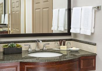 Ayres Hotel Anaheim - Anaheim, CA 92806 - Guestroom
