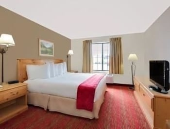 Ramada Summerset Rapid City West Is A Hotel Located On Stage Stop Road In South Dakota