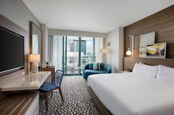 Diplomat Resort & Spa Hollywood, Curio Collection by Hilton - Hollywood, FL 33019 - Guestroom