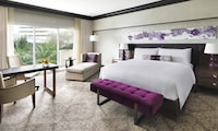 Fairmont Premier Room