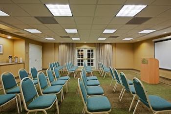 La Quinta Inn Suites Usf Near Busch Gardens In Tampa