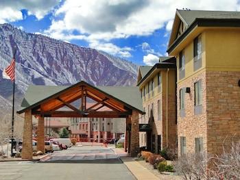 Hampton Inn Glenwood Springs 1 5 Miles From Valley View Hospital