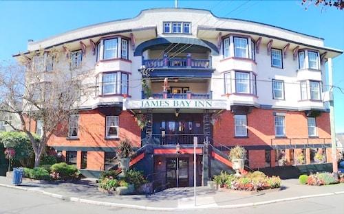 詹姆斯灣套房飯店