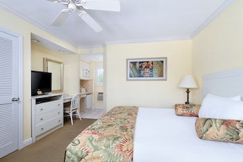 Inn at the Beach - Venice, FL 34285 - Guestroom