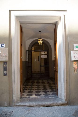科斯坦蒂尼飯店