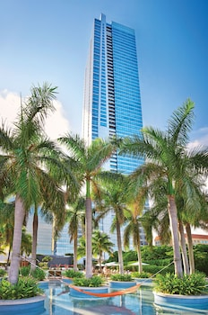 Four Seasons Hotel Miami