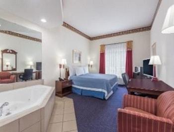 Days Inn and Suites, Jesup GA - Jesup, GA 31546