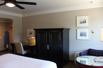 Inn at Highway 1 - Lompoc, CA 93436 - Guestroom