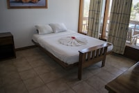 Comfort Room, 1 King Bed with Sofa bed