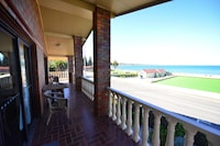 Anchorage Seafront Apartment