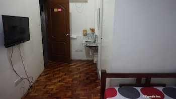 Rooms 498 Mandaluyong Guestroom