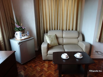 Corporate Inn Hotel Manila Living Area