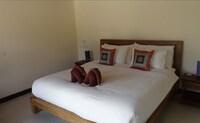 Deluxe Villa, 1 Bedroom, Pool Access, Pool View