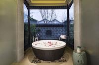 Imperial Retreat Villa  - Breakfast Included