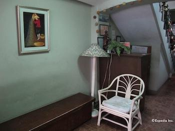Sabina Suites Cebu Lobby Sitting Area