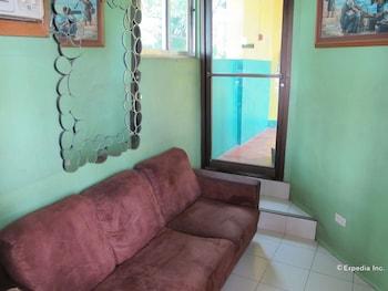 Lylie Hotel Cebu Lobby Sitting Area