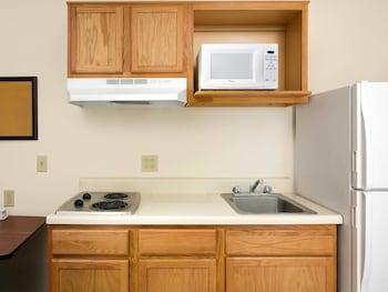 WoodSpring Suites Dayton South