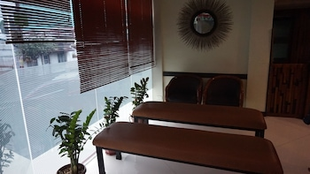 Sulit Place Quezon City Lobby Sitting Area