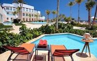 Marina Swim-Out Suite