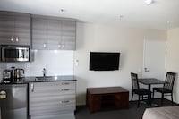 Business Studio, 1 Bedroom, Microwave