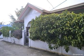 Dee Guesthouse Cebu Hotel Front