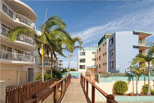 Bayviews & Harbourview Holiday Apartments