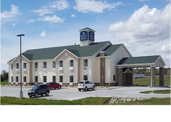 Cobblestone Inn & Suites - Cambridge, NE