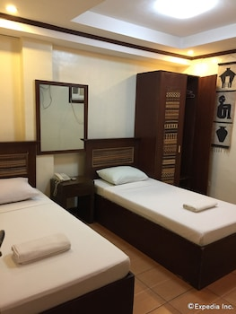 Darunday Manor Bohol Guestroom