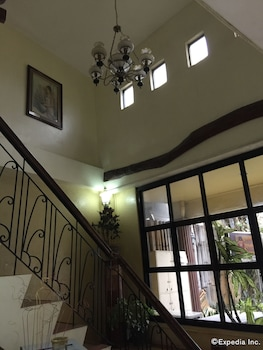 Darunday Manor Bohol Staircase