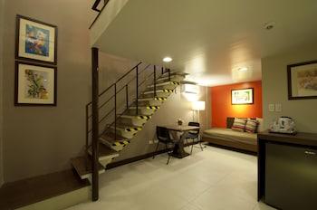 Hotel 878 Libis Living Area