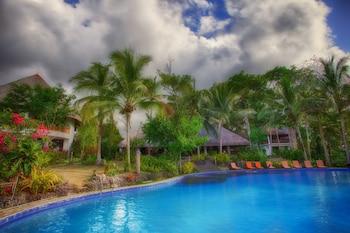 Amun Ini Beach Resort & Spa Bohol Infinity Pool