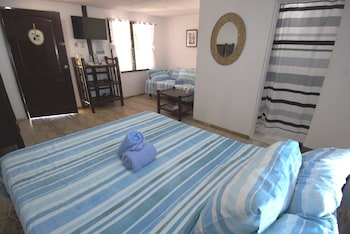 Cove Sands Beach Resort Dumaguete Guestroom