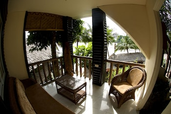 Cove Sands Beach Resort Dumaguete Balcony