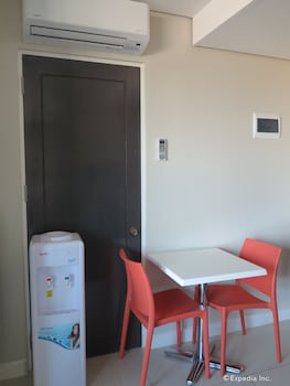 Alicia Apartelle Cebu In-Room Dining