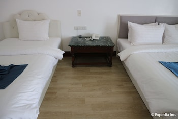 Bolabog Beach Resort Boracay Guestroom