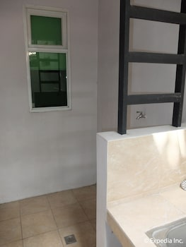 Klm Condotel Angeles Bathroom