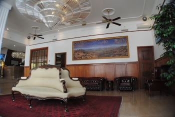 Astor Metropole Hotel