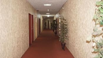 Phoenix Hotel Clark Hallway