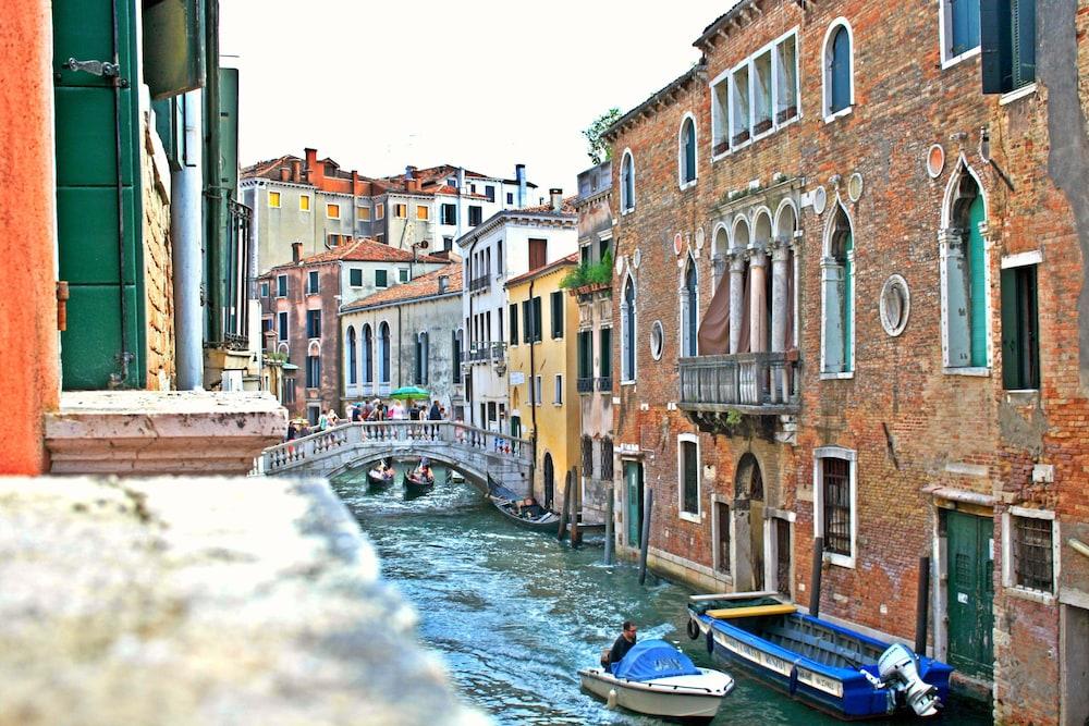 Cool Apartments Venice