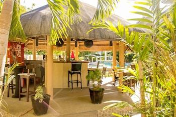 Alona Northland Resort Bohol Poolside Bar