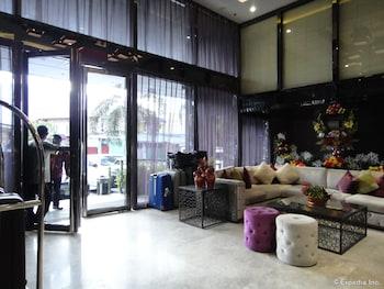 Prime Asia Hotel Angeles Interior Entrance