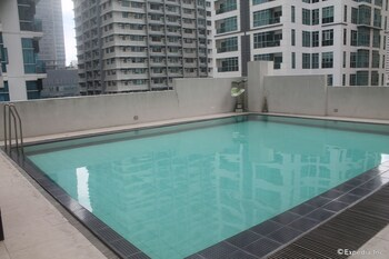 F1 Suites At Fort Palm Spring Taguig Outdoor Pool