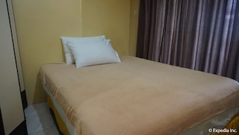 Manila Bay Serviced Apartments Guestroom