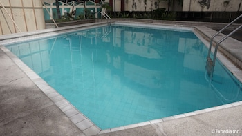 Manila Bay Serviced Apartments Outdoor Pool