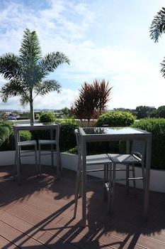 Ferra Hotel Boracay Hotel Bar