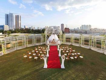 Novotel Hotel Araneta Center Indoor Wedding