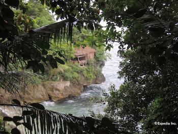 Bunzie's Cove Cebu Beach