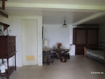 Bunzie's Cove Cebu Hotel Interior