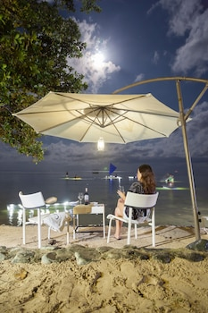 Blue Palawan Beach Club Hotel Bar